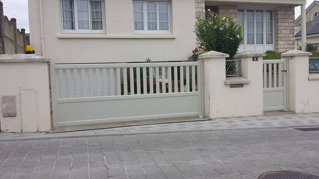 installation d 39 un portail electrique et d 39 une porte de garage ste gemmes sur loire gpr. Black Bedroom Furniture Sets. Home Design Ideas