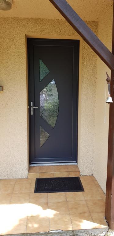 Pose porte d'entrée Maine-et-Loire
