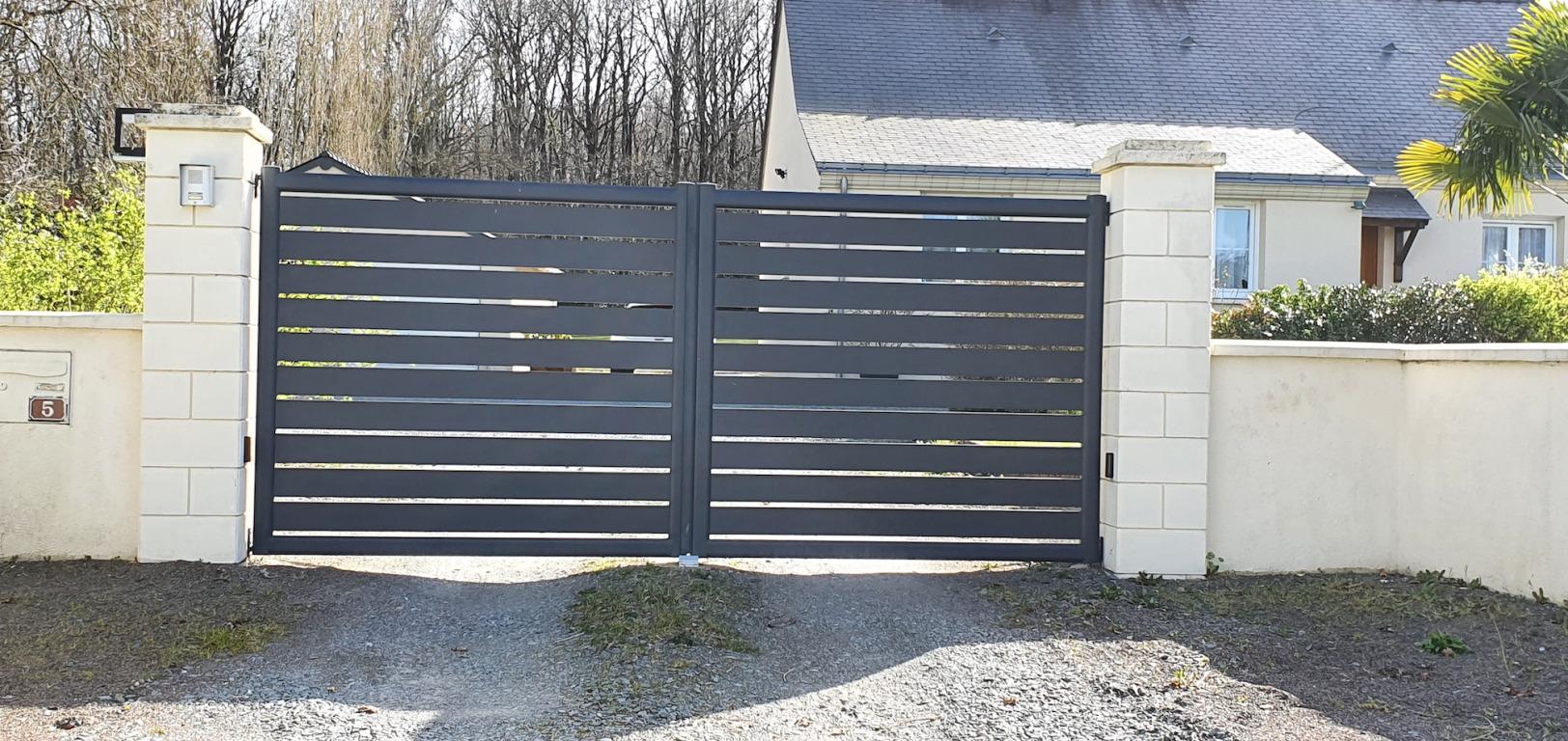 portail laqué gris anthracite