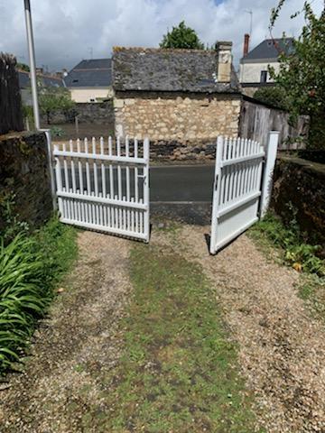 Arrière ancien portail blanc