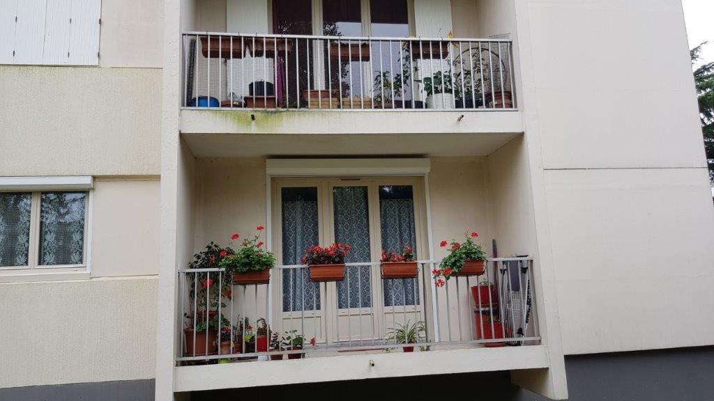 fermeture d 39 un balcon par baie coulissante angers gpr ouvertures. Black Bedroom Furniture Sets. Home Design Ideas